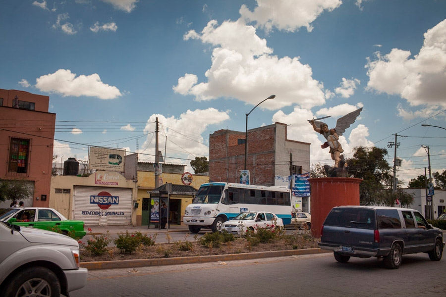 the city of san miguel de allende, mexico: people and places